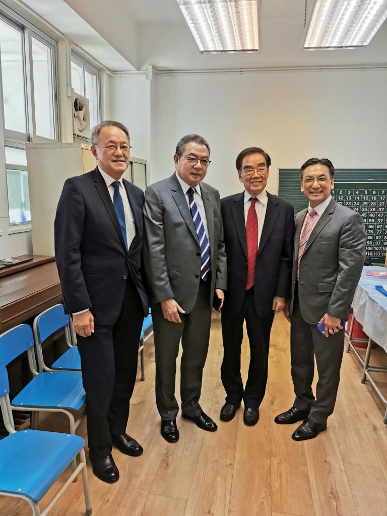 左起:會長林宣亮,永遠榮譽會長陳幼南、許學之,常務會董兼校監吳茂松