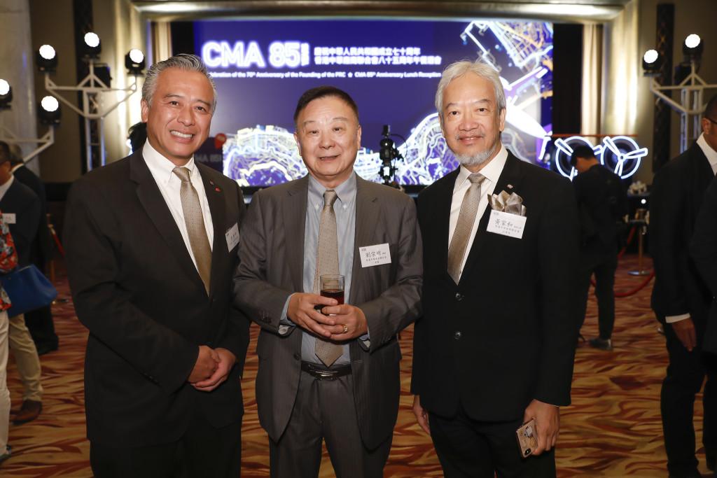 本會名譽顧問劉宗明(中)出席香港中華廠商聯合會85週年慶典