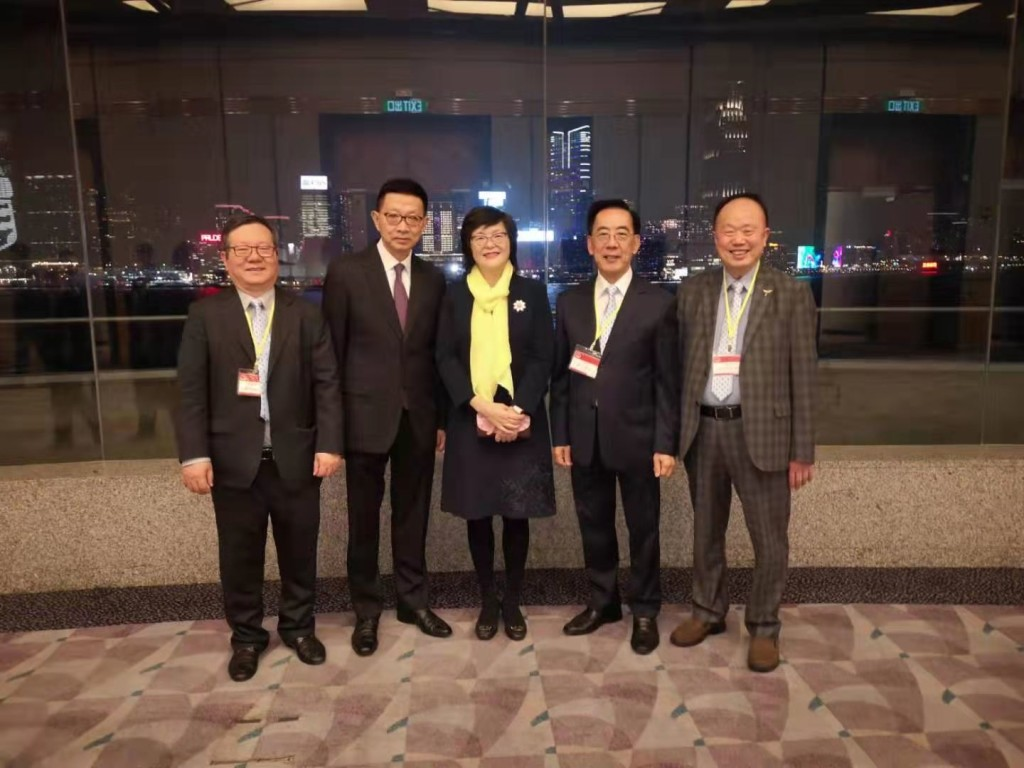 左起:本會常董馬介欽、名譽顧問方平、汕頭市委統戰部部長陳麗雯、副會長蔡少偉、會董胡楚南